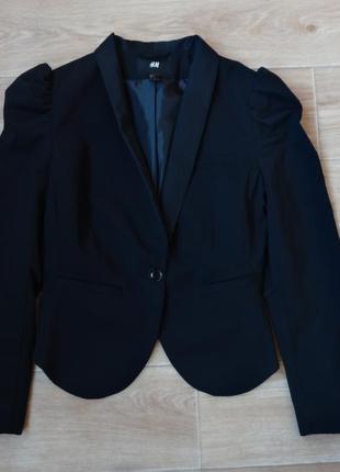 Снизила цену черный стильный пиджак от h&m м- размера
