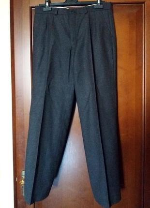 Классические брюки пр-ва словакия темносерые, абсолютно новые