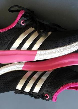 Яркие кроссовки 38 размер
