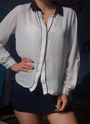 Белая рубашка блуза с чёрным воротником