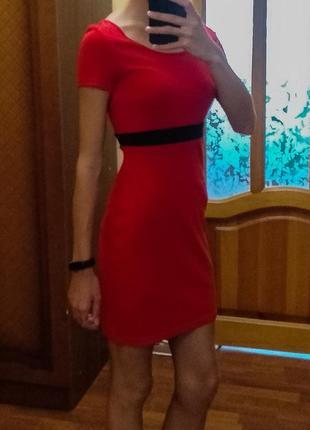 Красное платье oodji