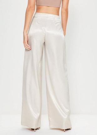 Широкие сатиновые перламутровые брюки missguided