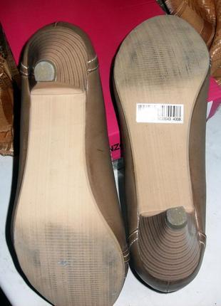 Туфли на среднем каблуке.4
