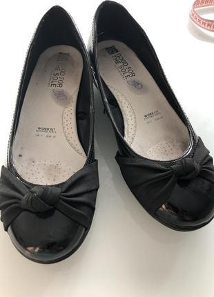 Лаковые туфли р 40
