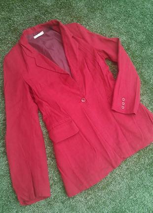 Красный удлиненный пиджак из льна жакет лен