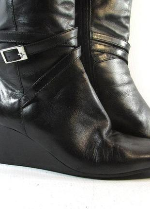 Шиканые кожаные  сапожки от дорогого бренда оригинал!