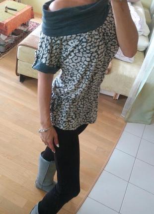 Кофта блуза туника серая трикотажная ворот хомут s-m принт серый леопард