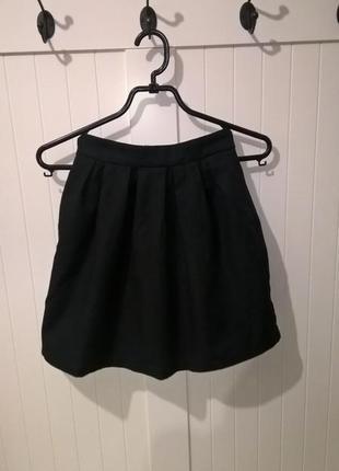 Черная юбка клеш  stradivarius
