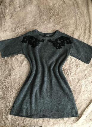 В*язане плаття з вишивкою
