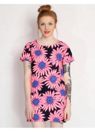 Яркое платье от cameo rose
