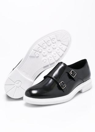 Кожаные ботинки gino rossi, оригинал. черные лаковые туфли оксорды