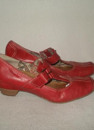 40-41 р./27 см.фирменные кожаные туфли с анатом. стелькой tamaris