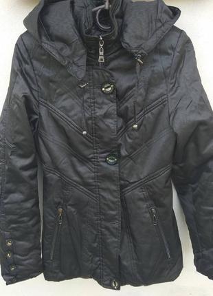 Красивая темно серая куртка dianora