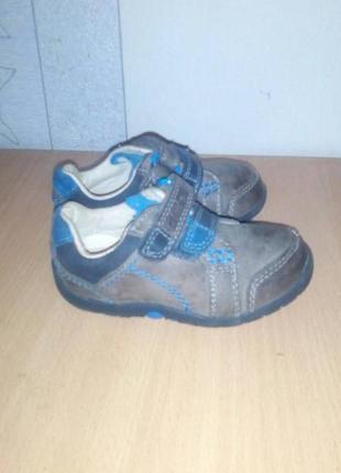 Детские ботиночки (туфли, кроссовки)clarks