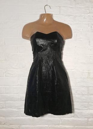 Черное очень эффектное платье без бретелей блестящее с замком на всю спину xxs/xs