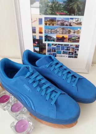 Ярко-голубые  замшевые  кроссовки  puma suede)оригинал из сша,размер 42,5 , 43.