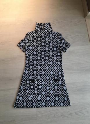 Трикотажное мини-платьице для стильной тебя