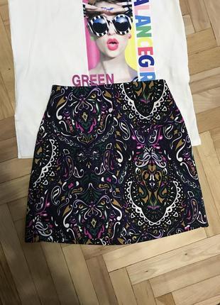 Короткая юбка с принтом