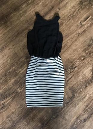 Стиньное платье с открытой спинкой