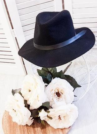 Черная шляпка от sinsay