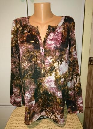 Отличная блузочка с оригинальным принтом