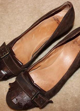 Супер зручні якісні шкіряні туфлі відомого бренду