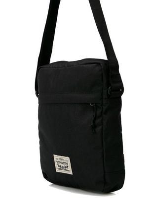 Черная мужская сумка мессенджер через плечо levi's оригинал