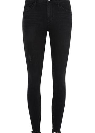 Очень крутые джинсы скинни с вышивкой