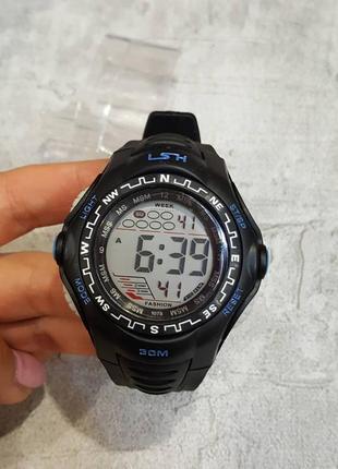 Черные мужские часы lsh