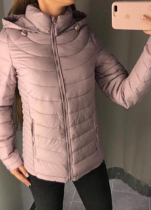 Нежно розовая деми куртка amisu стеганая курточка с капюшоном xs-xl