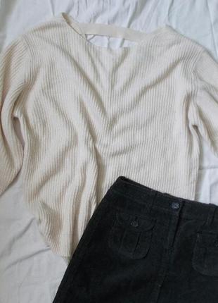 Белый свитер new look с вырезом на спине