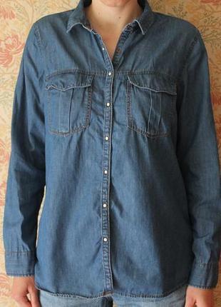 Повседневная джинсовая рубашка на кнопочках