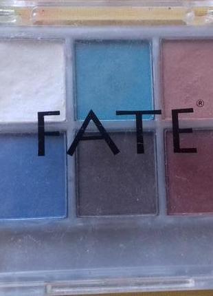 Разноцветние тени красивый набор теней палитра оригинал