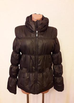 Демисезонная куртка фирмы only размер м