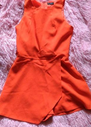 Оранжевый комбинезон miss selfridge