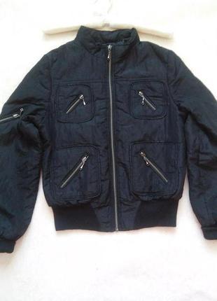 Куртка бомпер с замками.