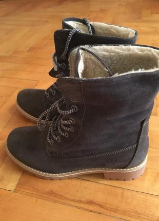 Зимние кожаные ботинки tamaris 39