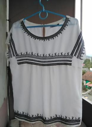 Красивая вышитая блуза от only