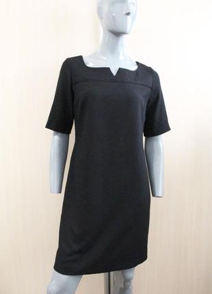 Черное плотное прямое платье