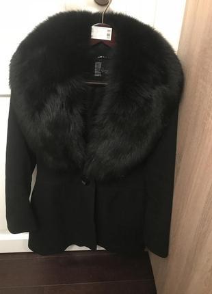 Зимнее пальто с натуральным мехом (италия)