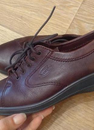 Туфли ecco 38 р. кожа стелька 24.5 см.