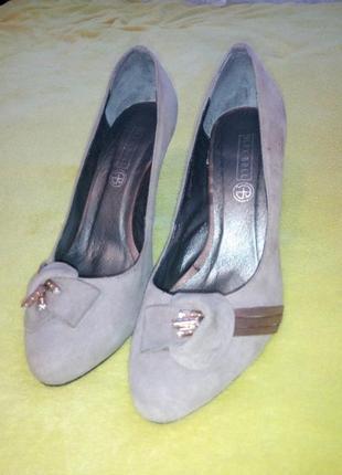 Продам туфли alex bell