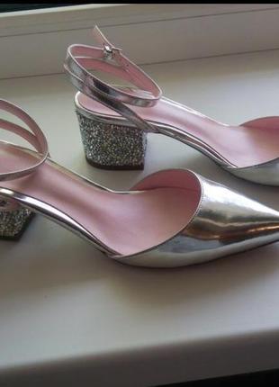 Туфли босоножки asos 38 размер серебристые