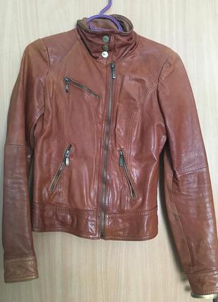 Шкіряна куртка bershka