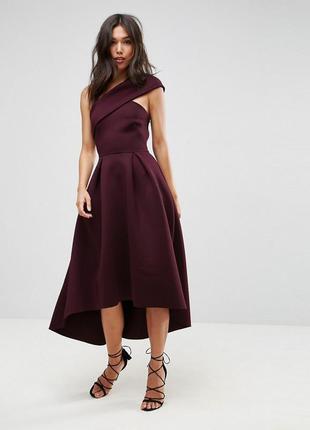 Роскошное платье глубокого цвета с неопрана