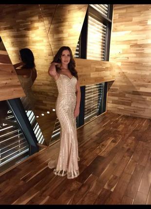 Вечернее длинное платье в пол