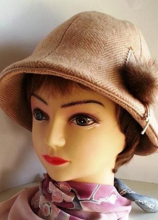Шляпка женская. колокольчик. ткань - пальтовая, шерсть. ручная работа. цена 250 гр.