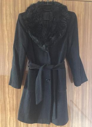 Продам пальто чёрное деми с мехом