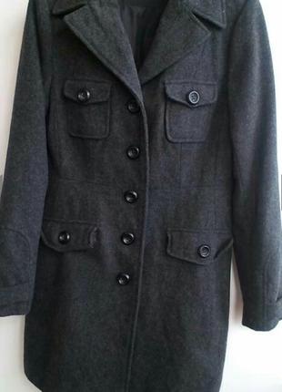 Новое и очень модное пальто-тёплое , цвет графит clockhose '