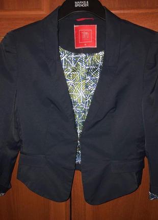 Укороченый/ стильний пиджак в идеальном состоянии tiffi. размер с